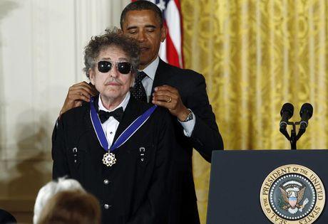 Bob Dylan, nhac si mang tam hon cua nha tho - Anh 3