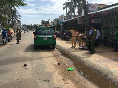 Binh Thuan: Lai xe lan duong, 1 nguoi nuoc ngoai thiet mang - Anh 5