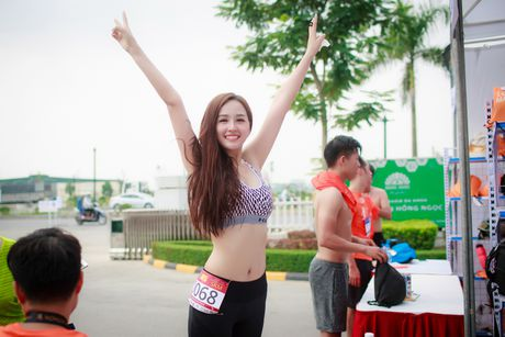 Mai Phuong Thuy goi cam chay marathon tai Ha Noi - Anh 2