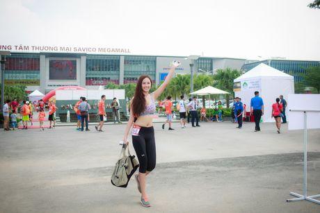 Mai Phuong Thuy goi cam chay marathon tai Ha Noi - Anh 3