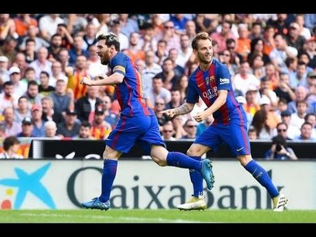 Messi lap cu dup, Barca thang sat nut Valencia - Anh 1