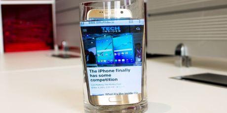 8 tin don ve Galaxy S8, mot trong cac smartphone 'nong' nhat nam 2017 - Anh 7