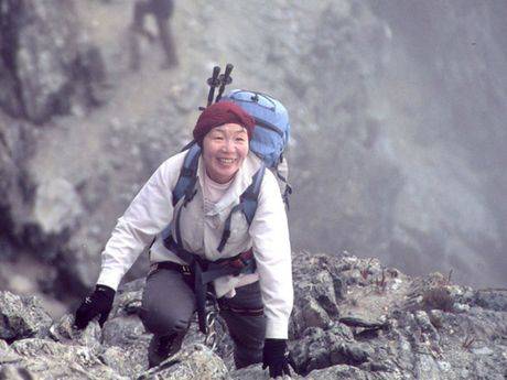 Nguoi phu nu dau tien chinh phuc dinh Everest qua doi - Anh 1