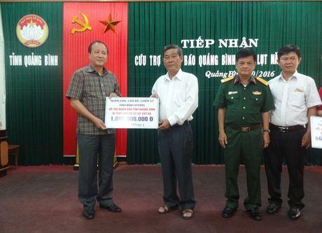 Da Nang va Binh Duong cuu tro dong bao lu lut Quang Binh 2 ty dong - Anh 2