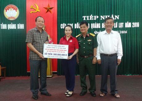 Da Nang va Binh Duong cuu tro dong bao lu lut Quang Binh 2 ty dong - Anh 3
