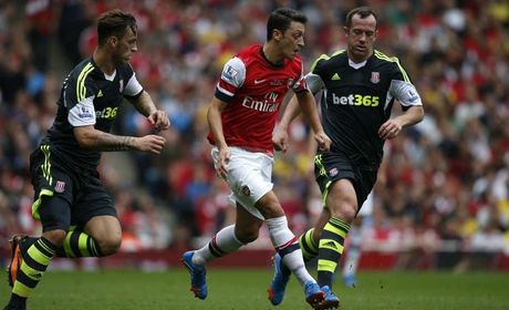 Nhung khoanh khac dep nhat cua Ozil tai Arsenal - Anh 2