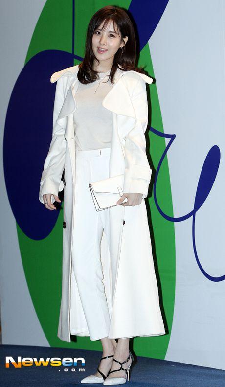 Sao Han chuong phong cach ca tinh o Seoul Fashion Week - Anh 1
