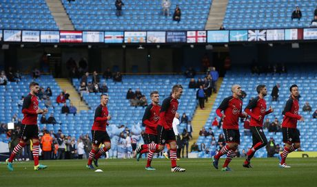 Man City vs Southampton (0-0, H1): Kompany da chinh - Anh 2