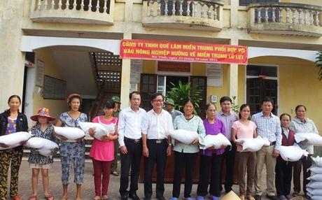 250 suat qua den voi nguoi dan vung lu Cam Xuyen - Anh 5