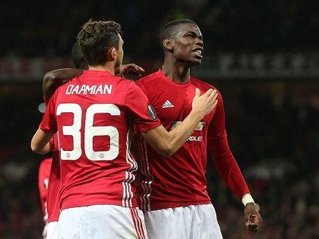 Man United: Pogba phai toa sang o tran lon moi dang tien - Anh 2