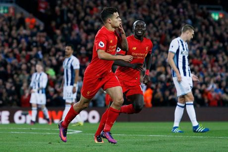 Chum anh: Thang West Brom 2-1, Liverpool dung nhi Premier League - Anh 5