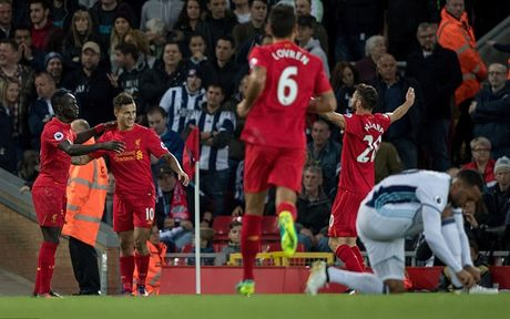 Chum anh: Thang West Brom 2-1, Liverpool dung nhi Premier League - Anh 6