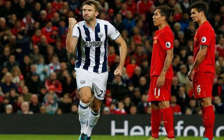 Chum anh: Thang West Brom 2-1, Liverpool dung nhi Premier League - Anh 9