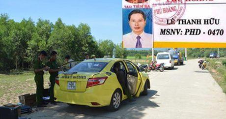 Tang manh dat 600 trieu dong cho gia dinh tai xe bi giet, cuop taxi - Anh 1