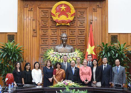 LHQ la mot trong nhung doi tac da phuong hang dau cua Viet Nam - Anh 2