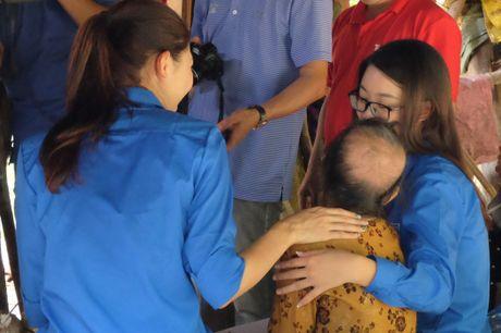 HH My Linh, A hau Thanh Tu gian di tiep suc mien lu - Anh 6