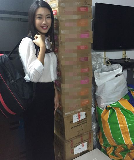 HH My Linh, A hau Thanh Tu gian di tiep suc mien lu - Anh 9