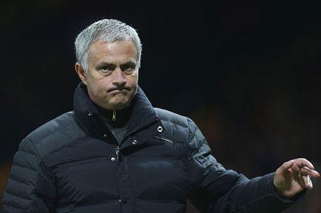 Thua 'sap mat', Mourinho noi nong mang chui Conte - Anh 1