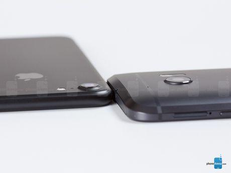 HTC 10 do suc iPhone 7: Thiet ke dep, nhung kem hieu suat - Anh 10