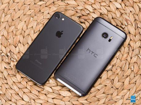 HTC 10 do suc iPhone 7: Thiet ke dep, nhung kem hieu suat - Anh 2