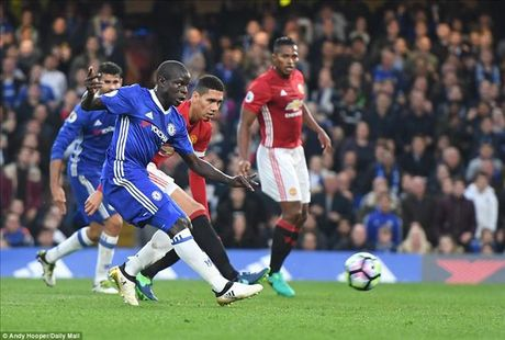 Chelsea 4-0 Man United: Jose Mourinho khong con dac biet - Anh 6