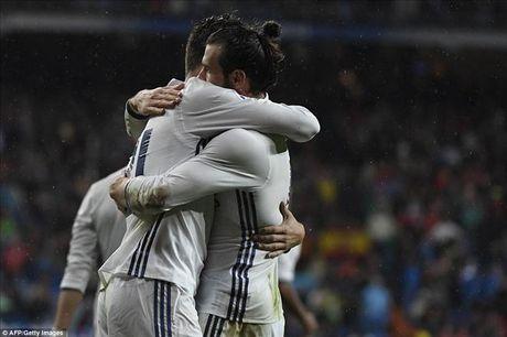 Ronaldo tran thu 4 khong ghi ban, Morata giup Real Madrid tro lai ngoi dau - Anh 1