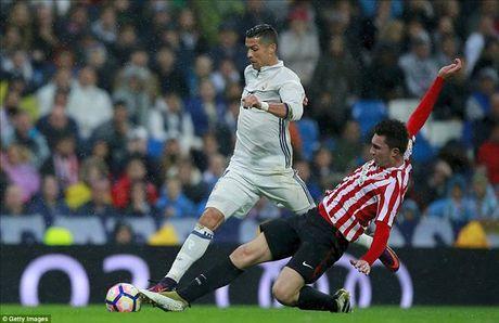 Ronaldo tran thu 4 khong ghi ban, Morata giup Real Madrid tro lai ngoi dau - Anh 3