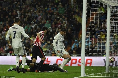 Ronaldo tran thu 4 khong ghi ban, Morata giup Real Madrid tro lai ngoi dau - Anh 4