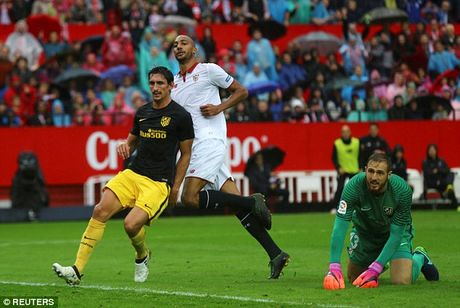 Sau vong 9 La Liga: Su tuong phan giua Ronaldo va Messi, Real va Barca - Anh 2