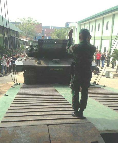 Indonesia tinh dung xe tang Lepard 2RI de danh dao? - Anh 4
