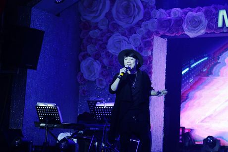 Dam Vinh Hung keu goi duoc hon 700 trieu ung ho mien Trung - Anh 14