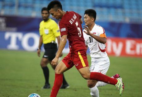 Tin bong da VN 24/10: U19 Viet Nam dung 'nui cao' o ban ket - Anh 1