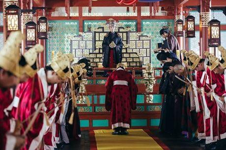 Nguoi tinh anh trang tap 17: Lee Jun Ki len lam vua, ngu thiep trong long IU - Anh 3