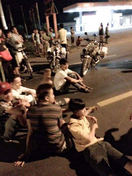 Chan dong, hang tram canh sat tim kiem 600 'con nghien' tron trai - Anh 2