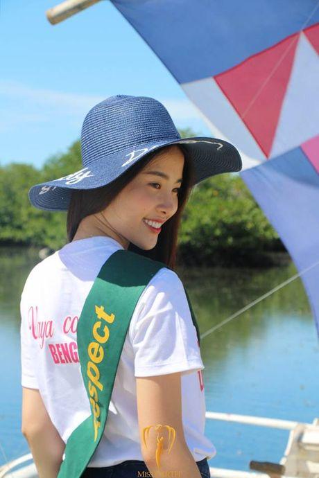 Nam Em lien tuc 'ap dao' binh chon tai Hoa hau Trai dat 2016 - Anh 5