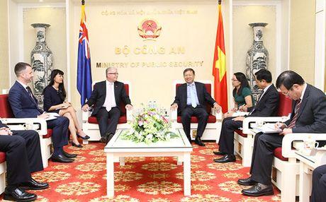 Bo truong To Lam tiep Dai su Australia va Singapore - Anh 1