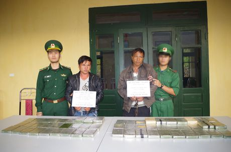 Bien phong Thanh Hoa: Triet pha thanh cong chuyen an 217 L, thu giu 69 banh heroin - Anh 1