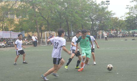 Trao giai bong da cup bao Tien Phong - Anh 5