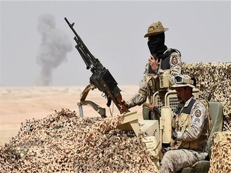 Yemen danh chiem can cu quan su cua Saudia Arabia - Anh 1