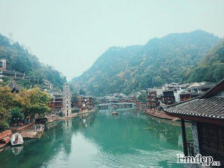 Hot girl Mai Chi chia se kinh nghiem du lich Phuong Hoang Co Tran - Anh 2