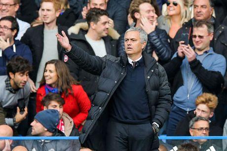 M.U thua sap mat ngay Mourinho tro lai Chelsea - Anh 4
