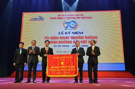 """Duong sat Viet Nam voi truyen thong """"Di truoc mo duong"""" - Anh 1"""