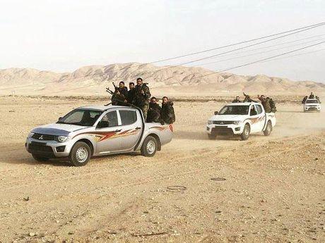 Quan doi Syria danh bat IS khoi khu vuc mo dau tinh Homs - Anh 1