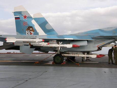 Vu khi tren tau san bay Nga sang Syria tham chien - Anh 10