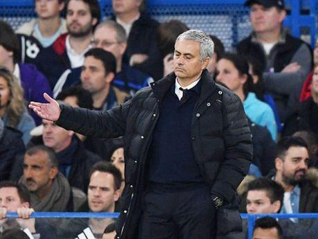 Sau vong 9 Premier League: Dinh hinh cuoc dua den ngoi vuong - Anh 1