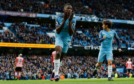 Sau vong 9 Premier League: Dinh hinh cuoc dua den ngoi vuong - Anh 2