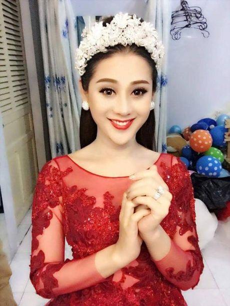 Khong con nhan ra hai tu 'chuyen gioi' voi nhan sac hien tai cua Lam Khanh Chi - Anh 10