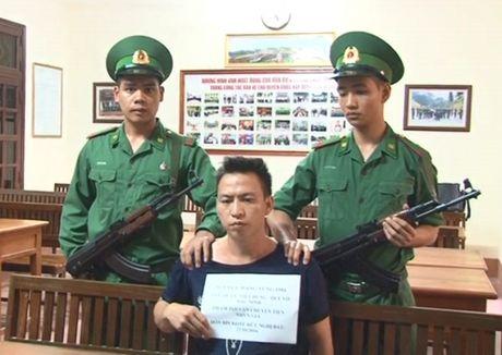 Lang Son: Bat doi tuong van chuyen 600 trieu tien gia - Anh 1