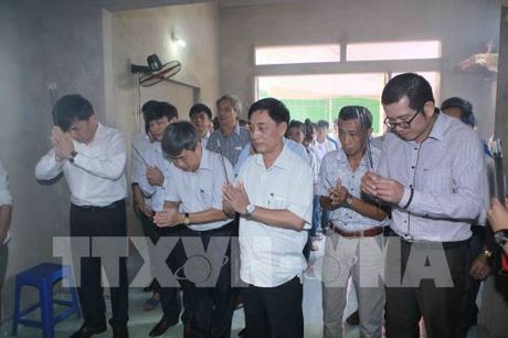Truy tang Bang khen cho hoc sinh dung cam cuu ban tai Thanh Hoa - Anh 3
