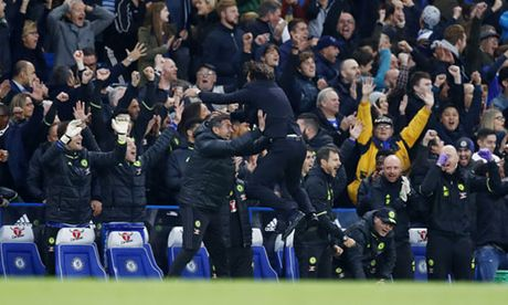 Mourinho xem kieu an mung cua Conte la su si nhuc - Anh 1